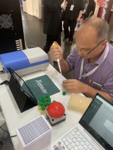Gaming procces Formula-X Dusseldorf 2019 - fill microplate correctly with pipette