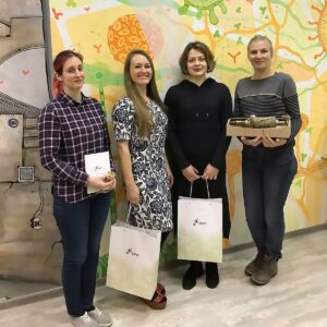 Winners of Formula-X Moscow 2019 races pipetting skills contest